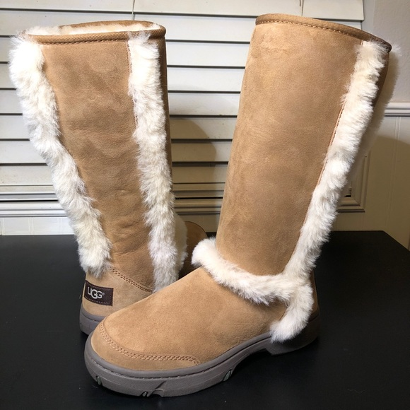 4cf723878a6 NEW UGG AUSTRALIA SUNDANCE WATERPROOF BOOT